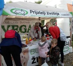 Vege picnic at Zagreb's Bundek Lake